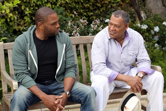 Anthony Anderson and laurence Fishburne in Black-ish