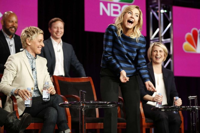 Elisha-Cuthbert--One-Big-Happy-Panel-TCA-Press-Tour-2015--01-662x441
