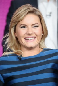 Elisha-Cuthbert--One-Big-Happy-Panel-TCA-Press-Tour-2015--11-662x974
