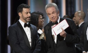 160226-news-warren-beatty-moonlight